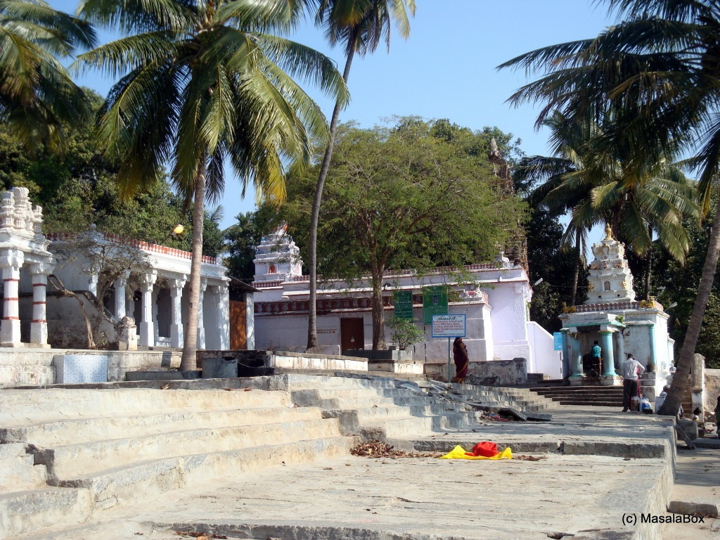 Kasi Viswanathar Temple on Gosai Ghat