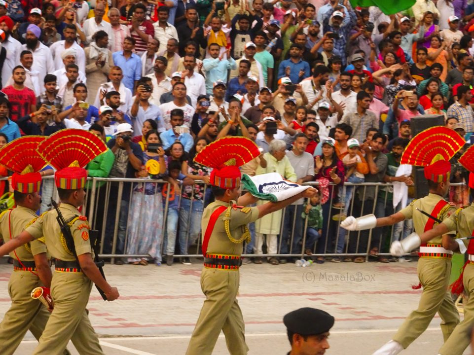 indian flag wagah