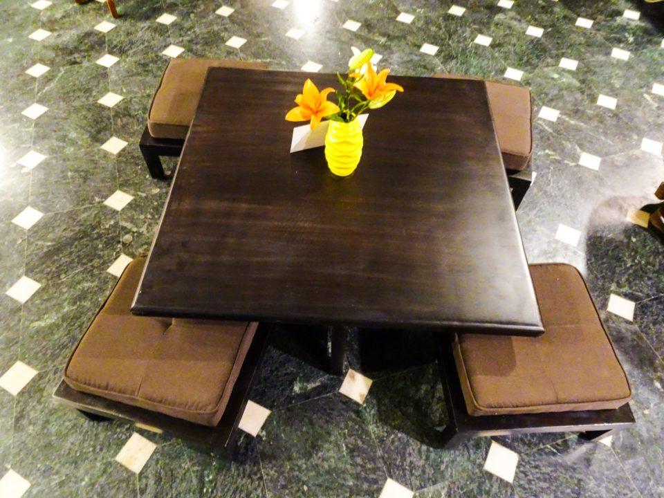rentomojo coffee table