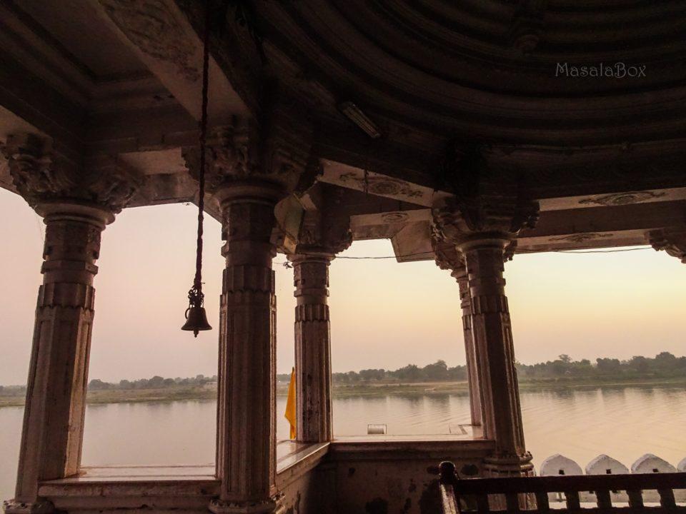 Kashi Vishwanath Temple maheshwar