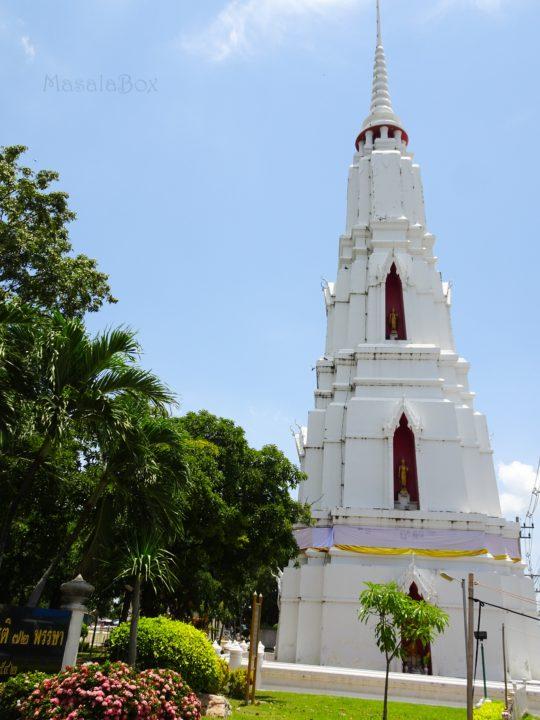 Chedi Luang Por Wat Monkhan Lopburi
