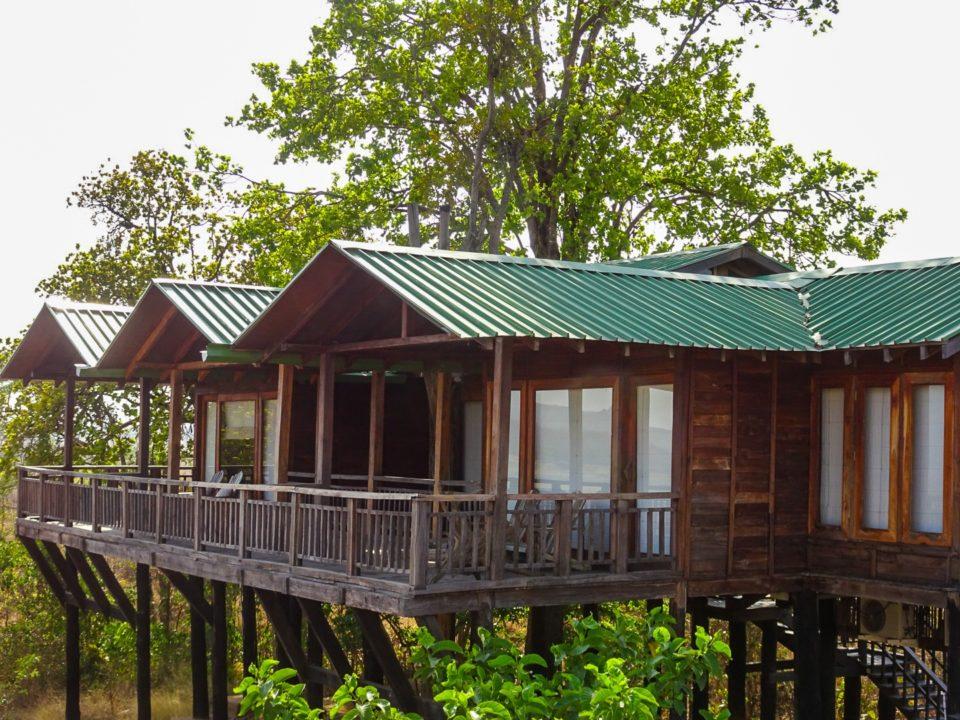 Tree House Denwa Backwater Escape