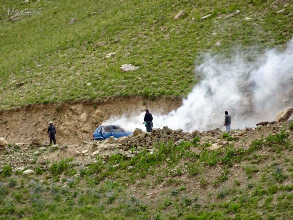 car break down spiti