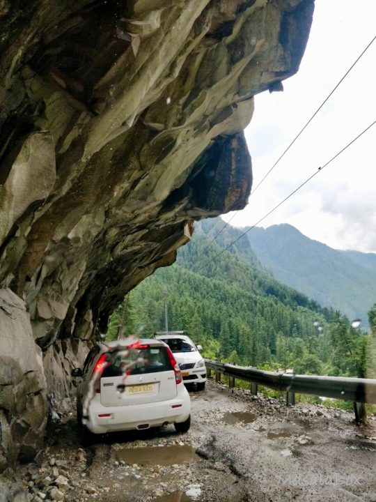 Road to Manikaran
