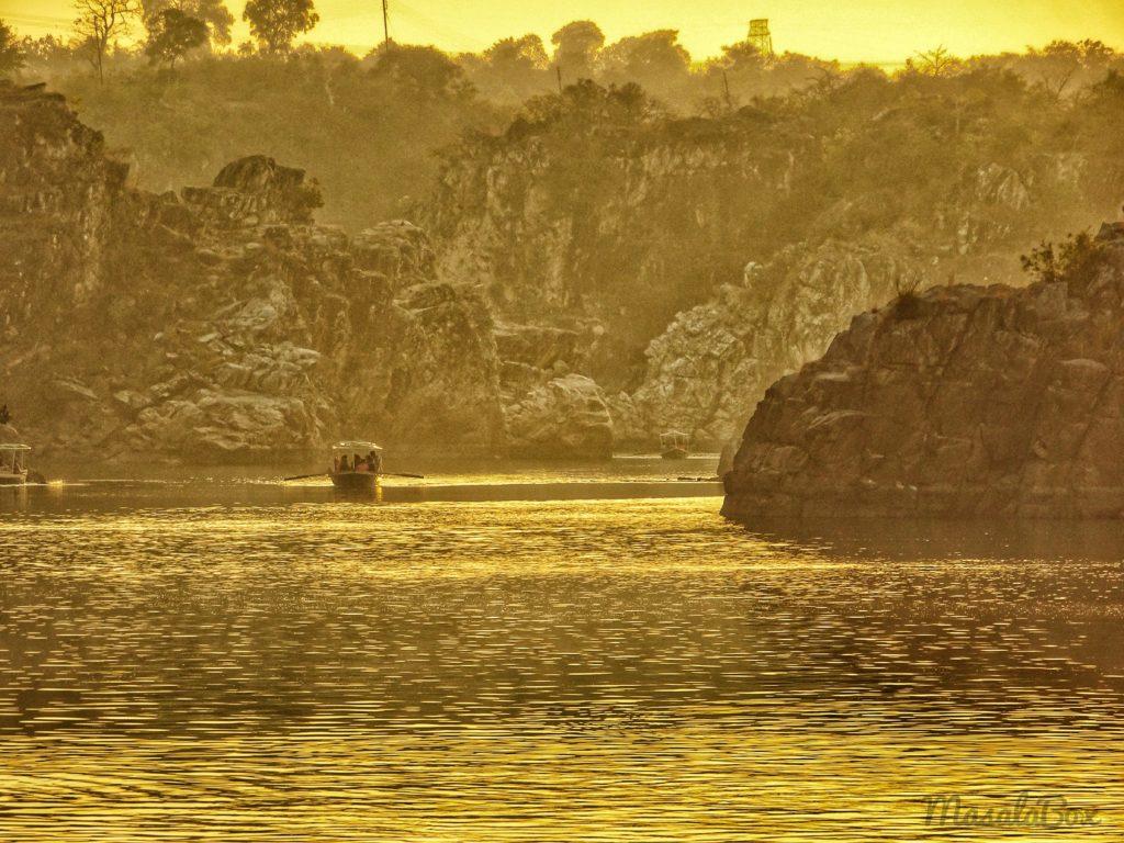 boating at bhedaghat