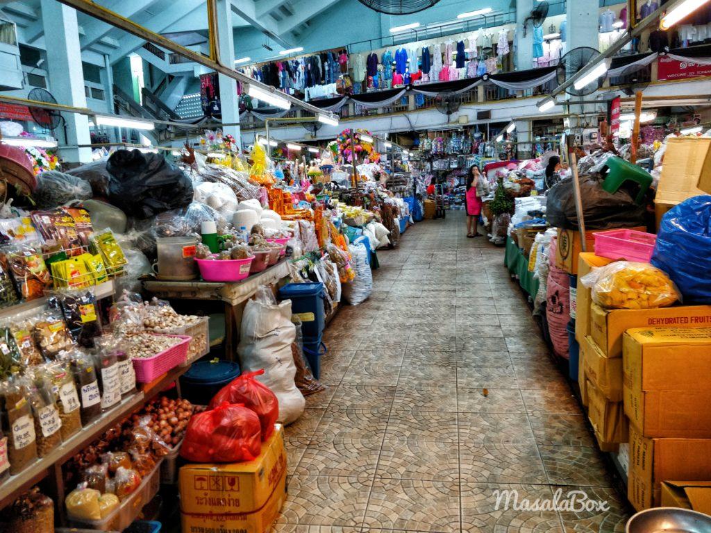 warorot local market chiang mai