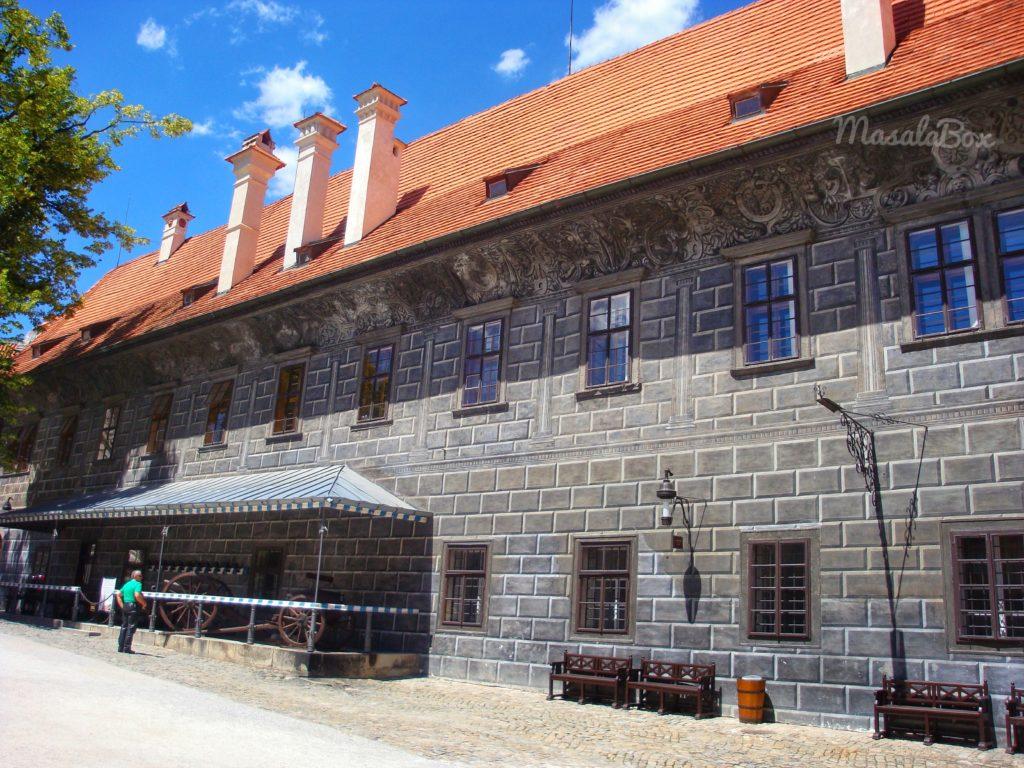 Cesky Krumlov castle courtyard
