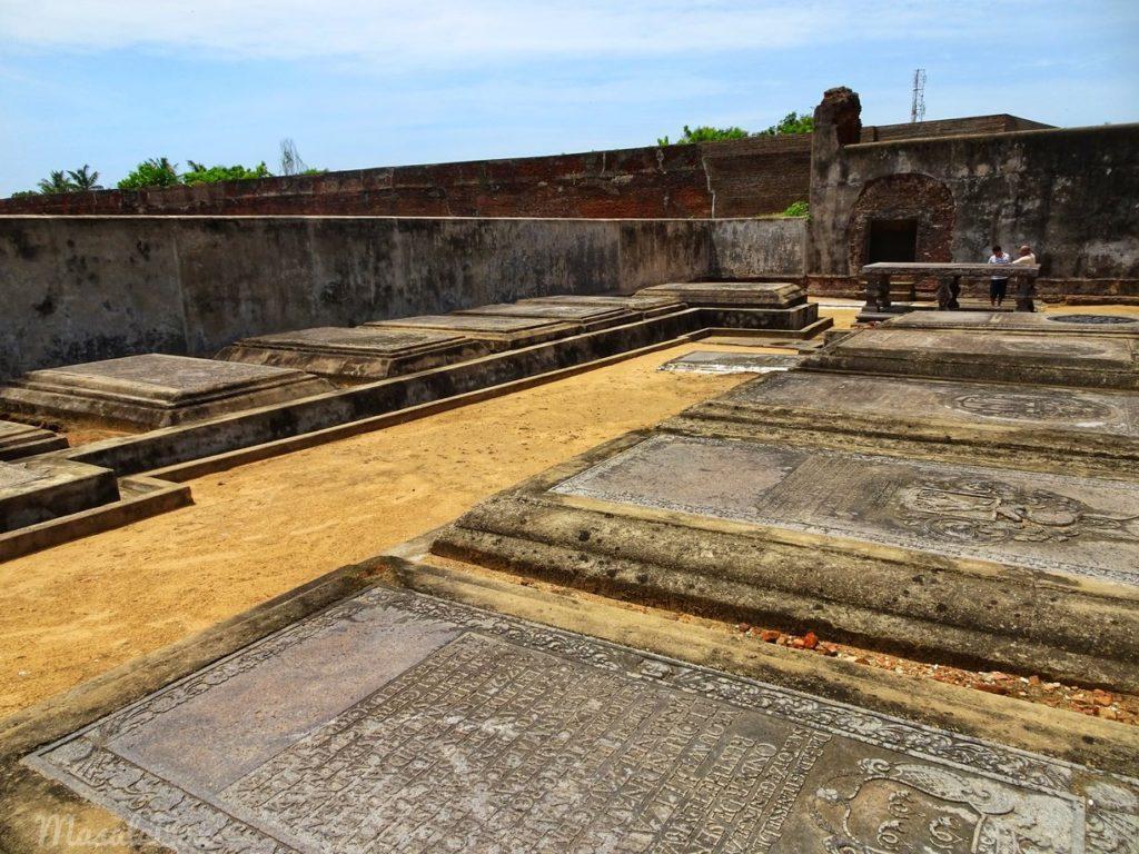 cemetery sadras fort