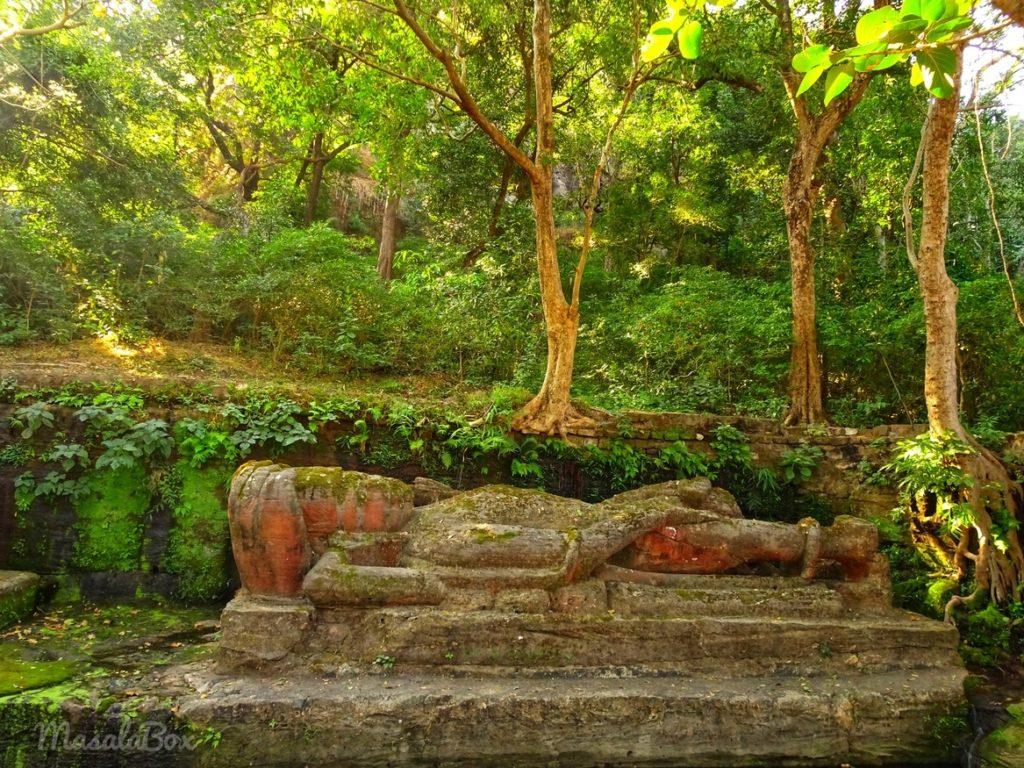 Vishnu statue Bandhavgarh