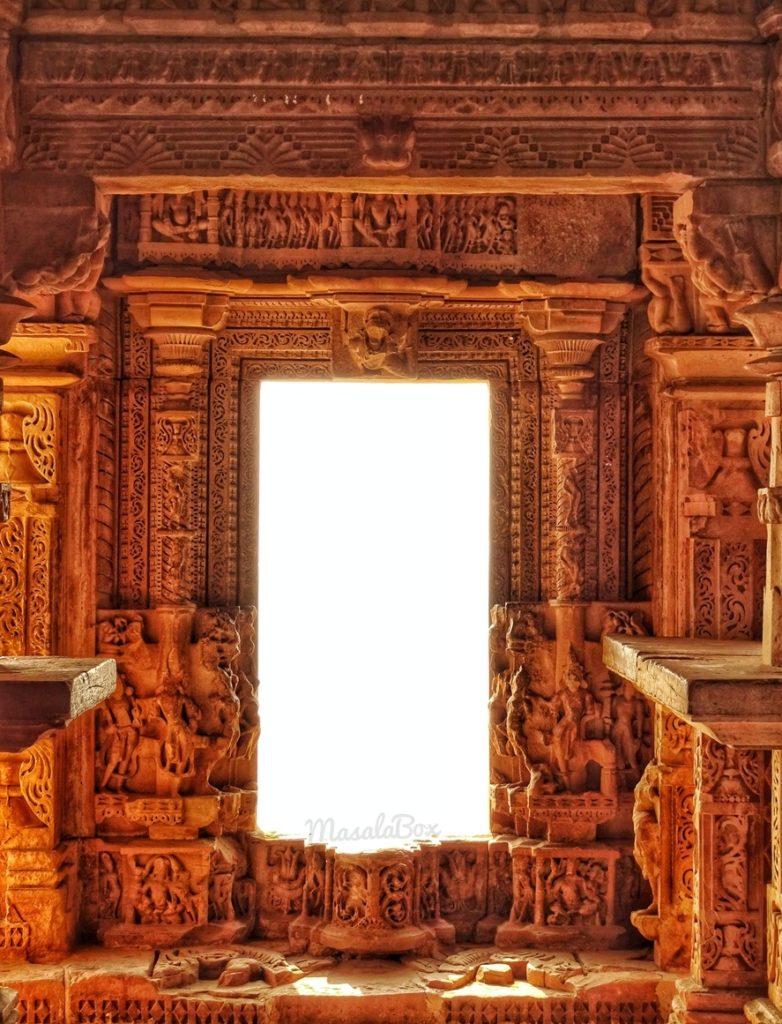 doorway sas bahu temple