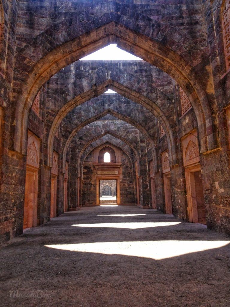 hindola mahal arches