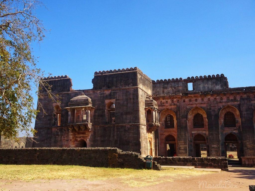 royal palace mandu