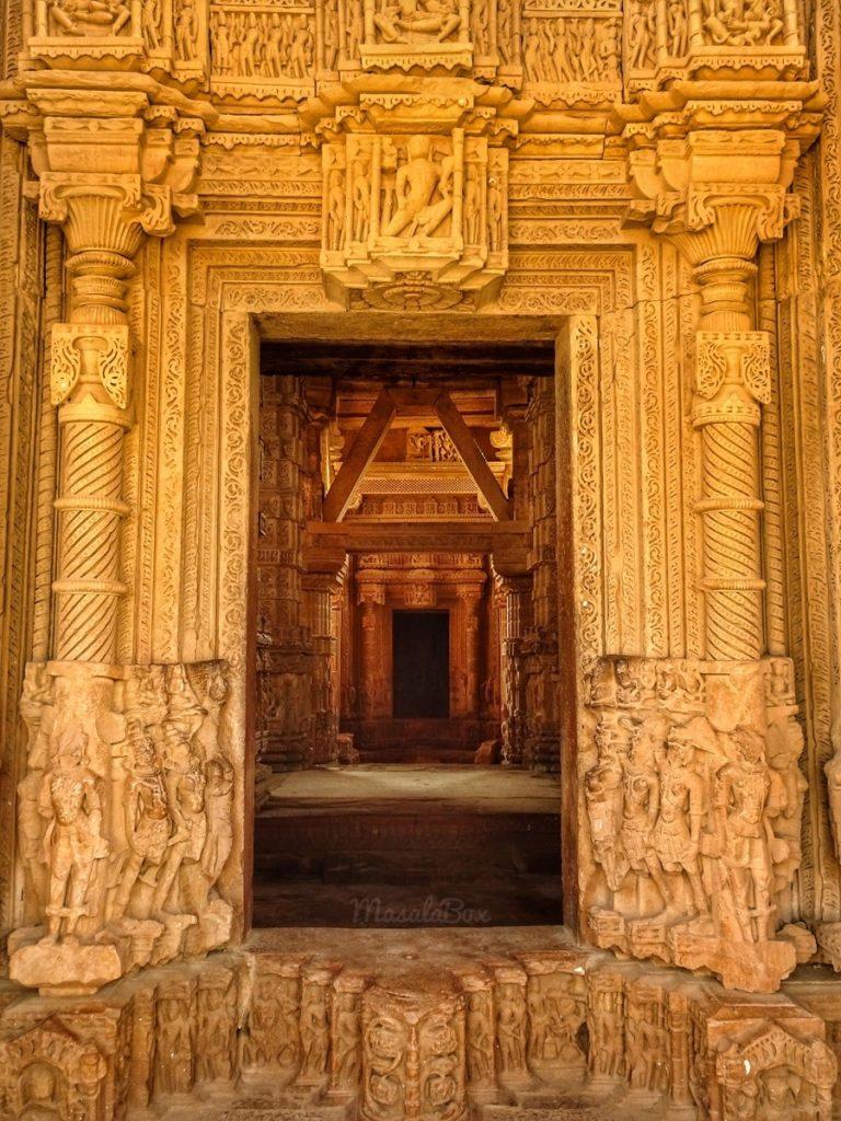 sas bahu temple entrance