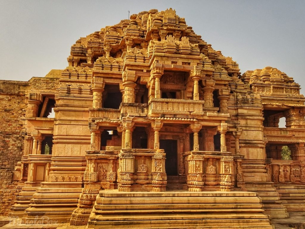 sas temple gwalior fort